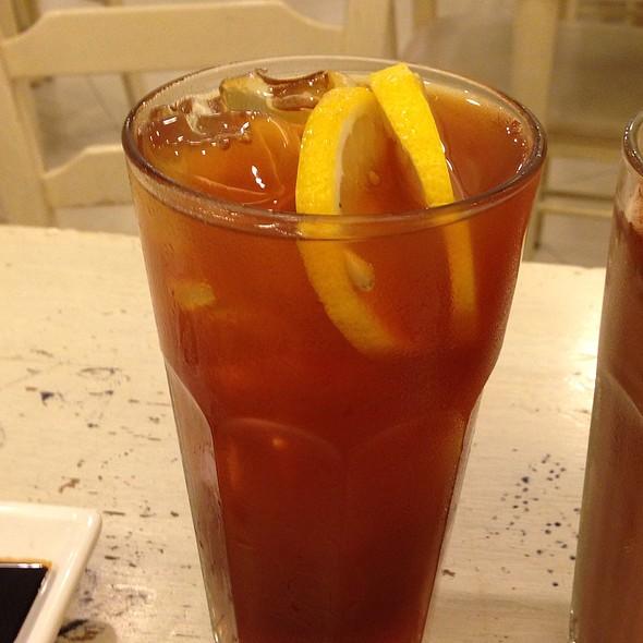 lemon iced tea @ Toast Box