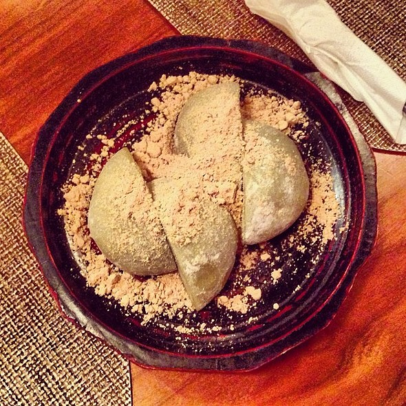 After a nice Yakitori feast.... Green tea mochi ice cream. Yum. My fave! @ Yakitori Totto