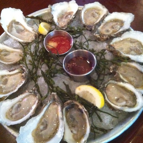 Virginia Salt Oysters - City Lobster & Steakhouse, New York, NY