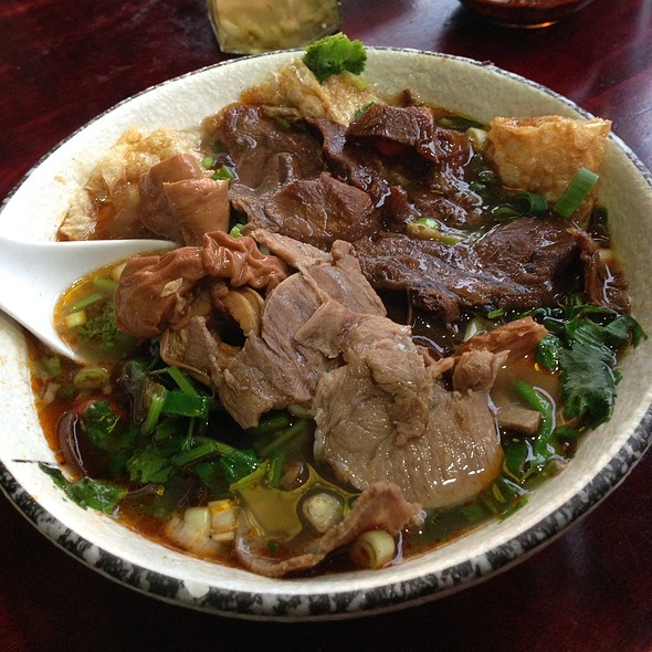 Guilin Style Rice Vermicelli With Beef, Pork