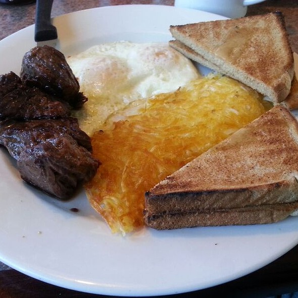 Steak and Eggs @ Four Seasons Diner