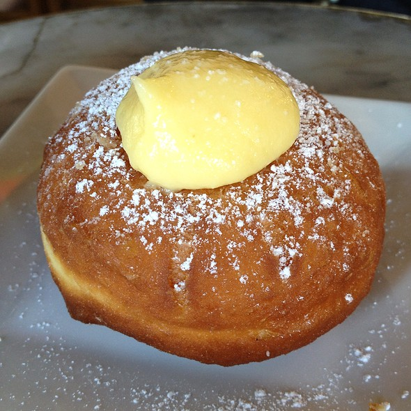 Homemade Bomboloni With Creme @ Tootsie's At The Stanford Barn