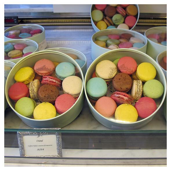Macarons @ Ladurée Royale