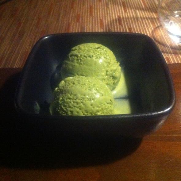 Matcha Ice Cream @ Kinoshita