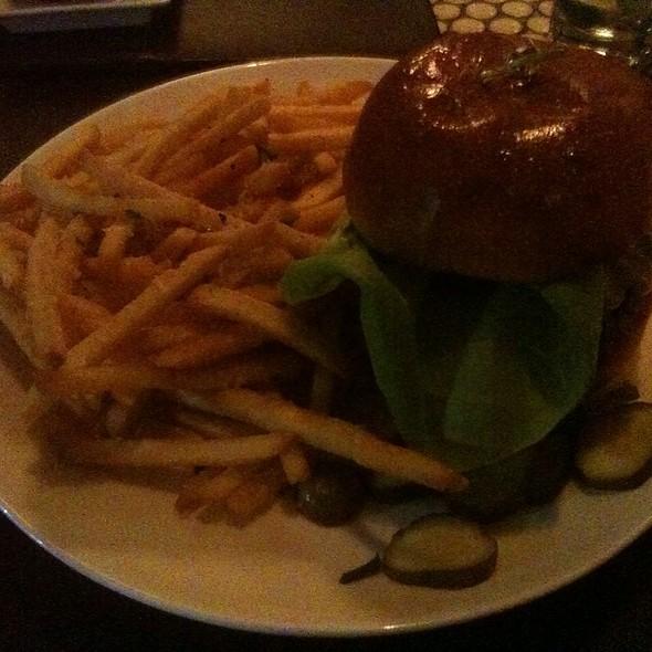 The Vine Burger - Madison & Vine, New York, NY