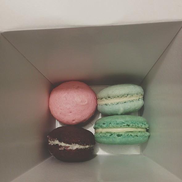 Mint, Vanilla, Raspberry And Red Velvet Macarons @ Union General