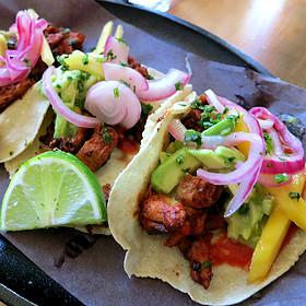 Tacos De Pollo Al Carbon