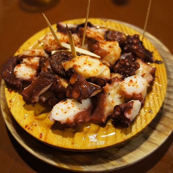 Pulpo A Feira | A Feira Octopus @ Pulpería Ezequiel