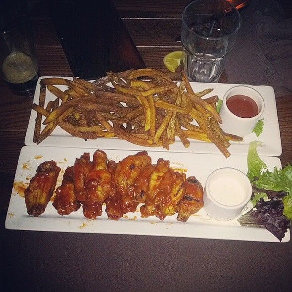 Wings & Duck Fries