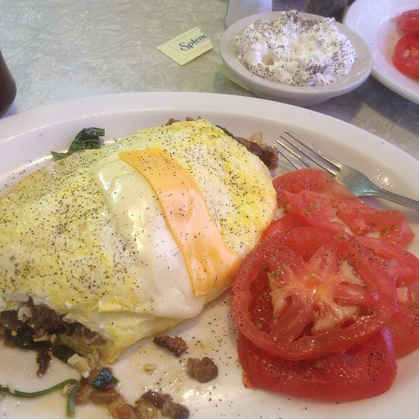 Omlette At Carlos Country Kitchen
