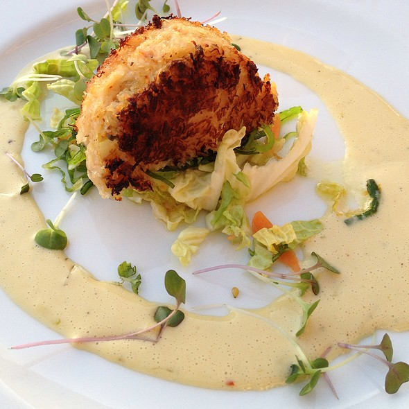 crab cake - Red Hat on the River, Irvington, NY