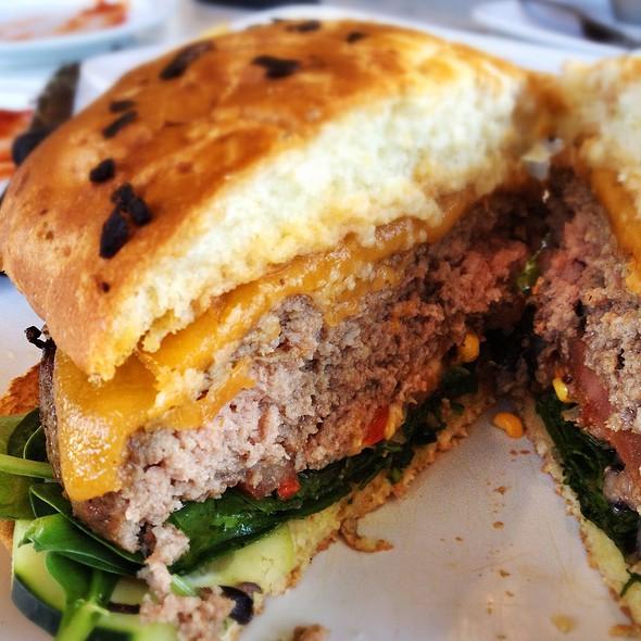 2/3 Lb Cheeseburger @ The Counter