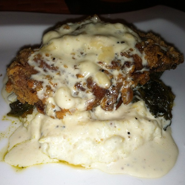 Fried chicken, creamy grits, bacon braised greens, cheddar black pepper gravy - Moro, Wilmington, DE
