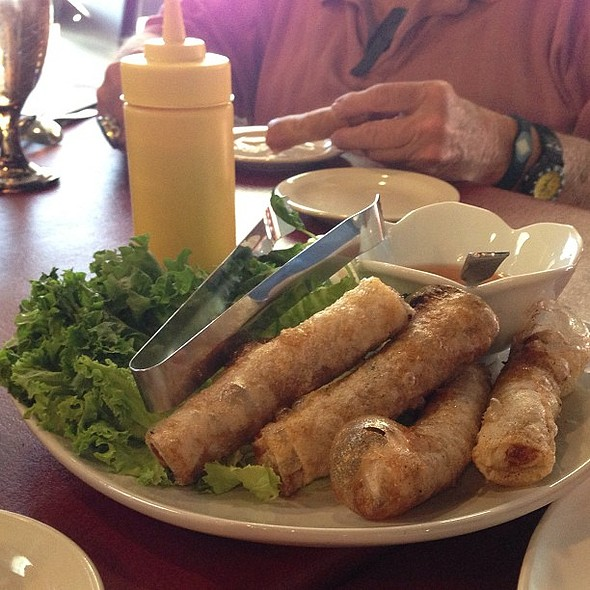 Mama Rolls - in @ Rice and Pho