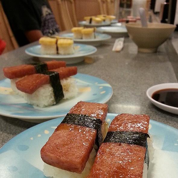 Sushi time. @ Matsutake Sushi