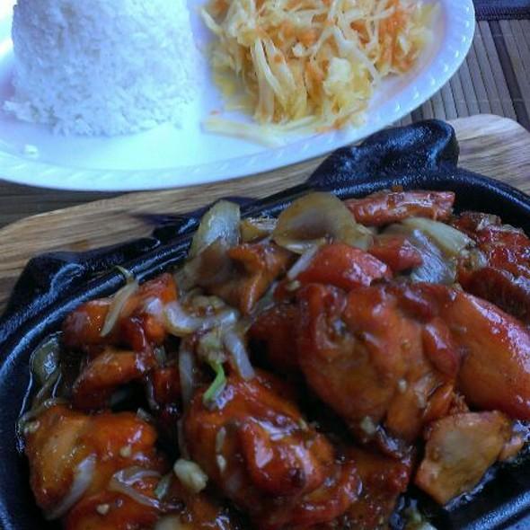 Kurczak po wietnamsku na gorącym półmisku @ Kuchnia Orientalna Dragon