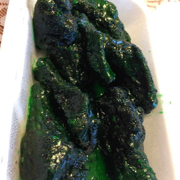 Green Spicy Dill Wings @ Wingmaster