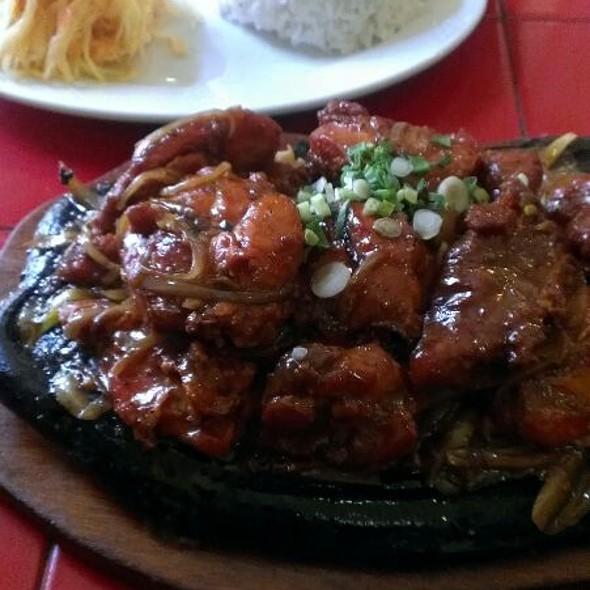 Kurczak po wietnamsku na gorącym półmisku @ Phuong Dong. Bar orientalny