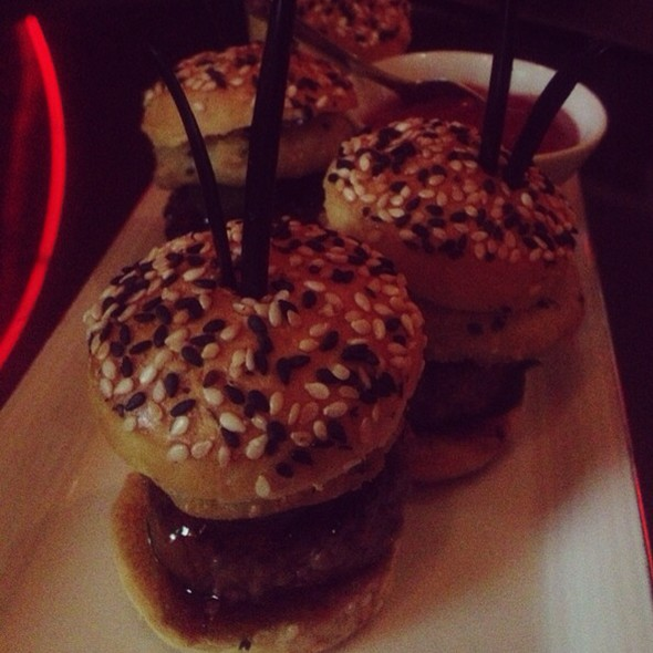 Mini Burgers @ M Bar at Mandarin Oriental Hotel