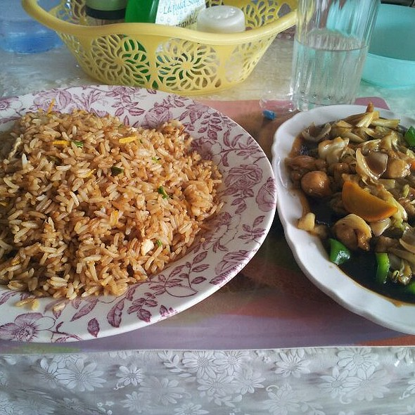 Fried Rice with Chicken @ Accra, Ghana