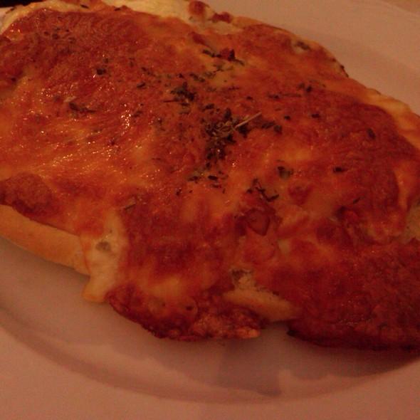 Tosta de Salmón y crema de quesos @ Balandro