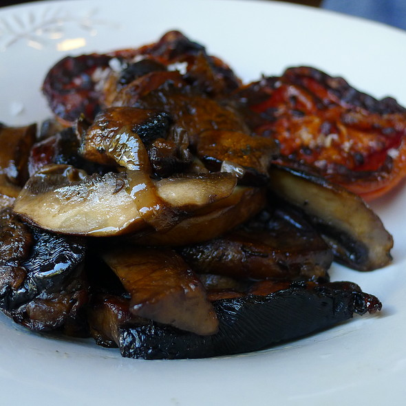 Sides of Grilled Tomato and Portobello Mushrooms @ Circa Espresso