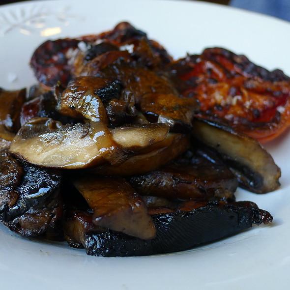 Sides of Grilled Tomato and Portobello Mushrooms @ Circa Espresso