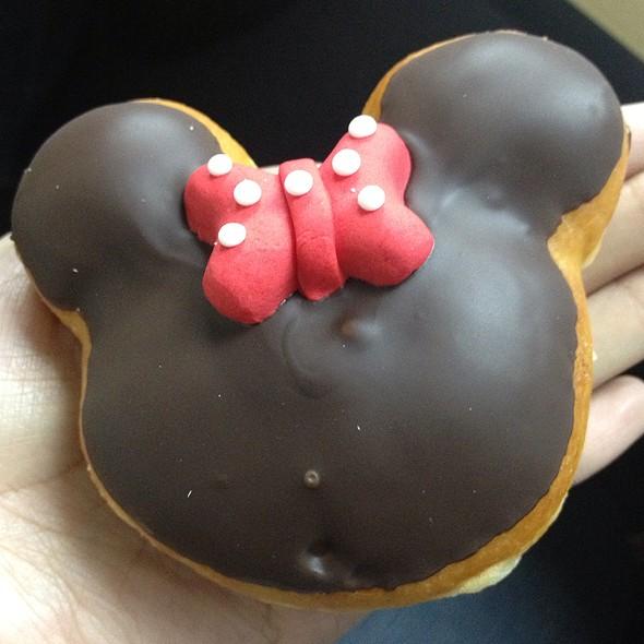Minnie Mouse Donut @ Krispy Kreme