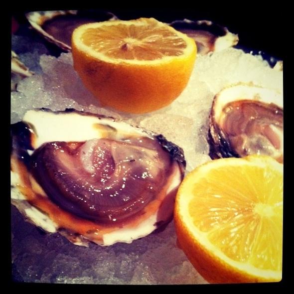 Belon Oysters @ Pied de Cochon