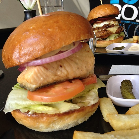 Fish Burger @ The Star