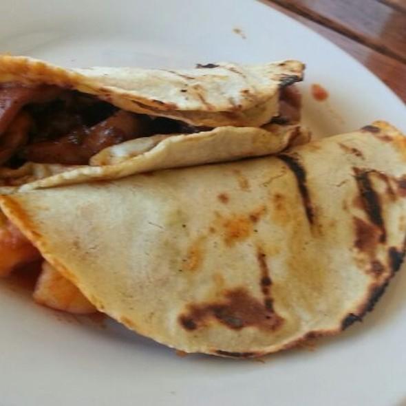 Tacos Pulpo Y Camarón @ La Panga De Nico