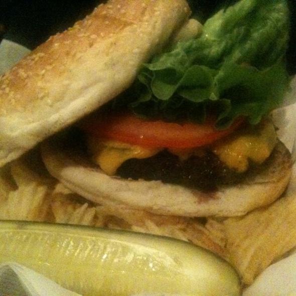 Cheeseburger @ P J Finnegan's