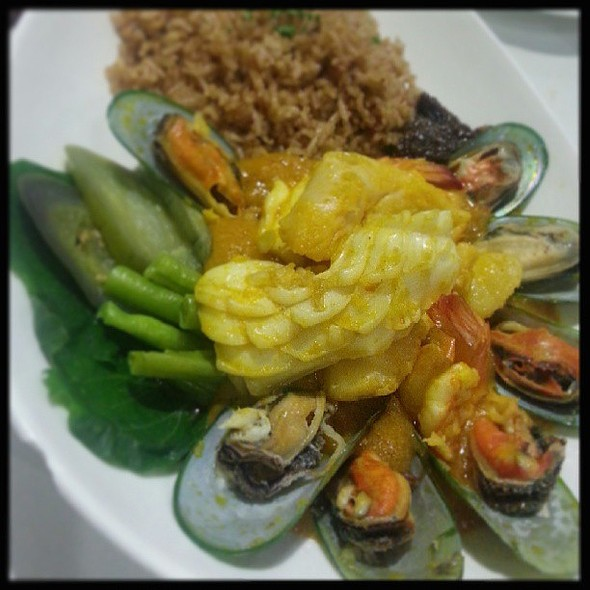 Seafood Kare-kare @ Pino