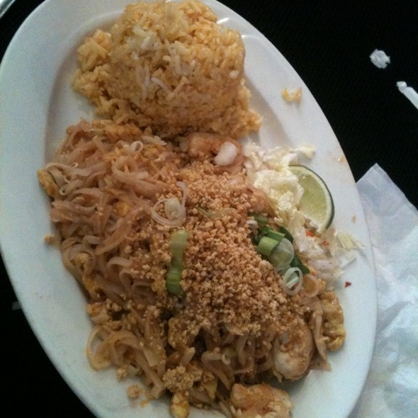 Pad Thai @ Sushi & Thai Restaurant