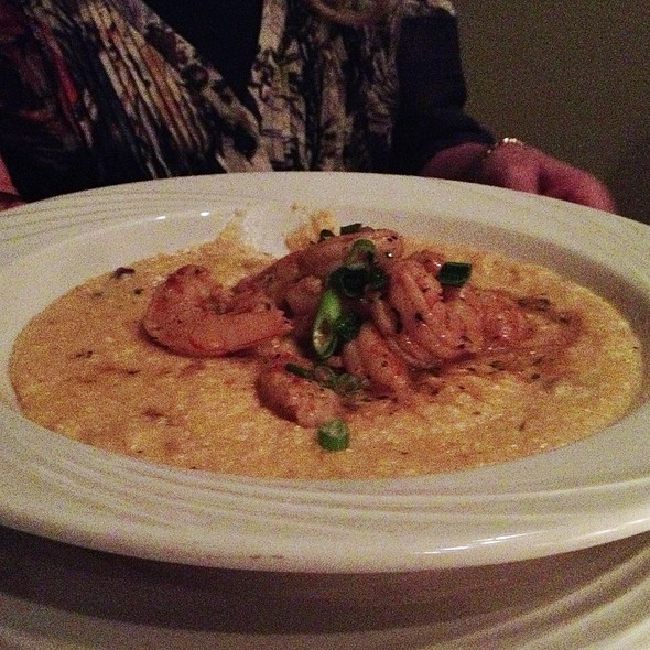 Shrimp & Grits - Alligator Soul, Savannah, GA
