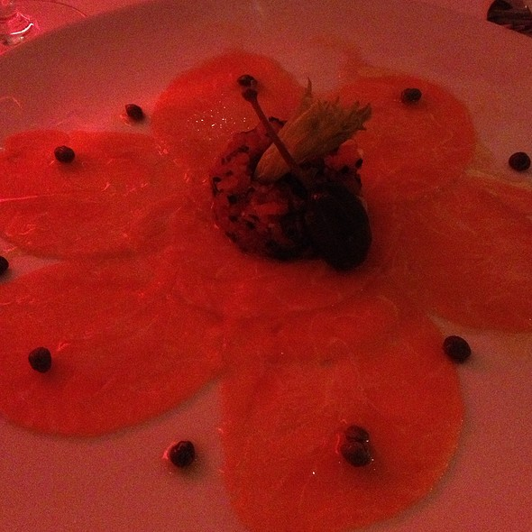 salmon carpaccio - Chez Delmo, Montréal, QC