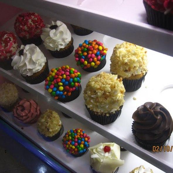 Cupcakes @ Vintage Cupcakes