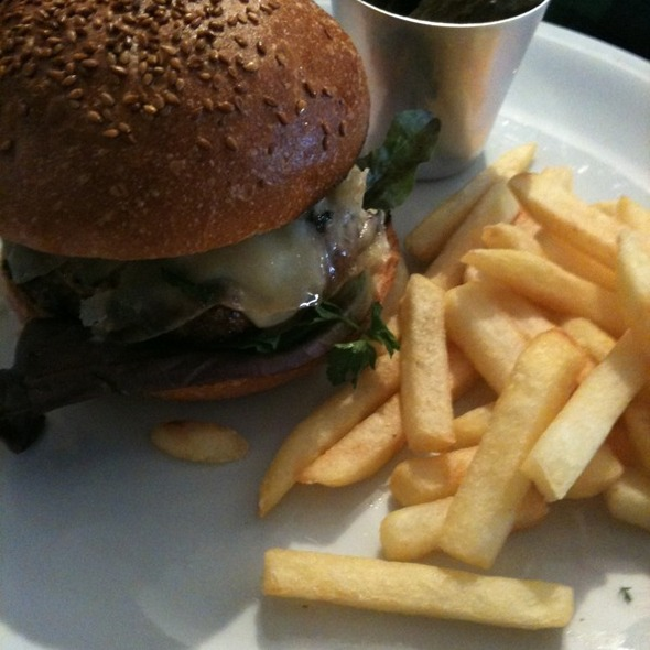 Delicatessen Burger @ Delicatessen