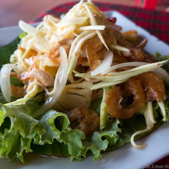 Mango Salad with Shrimp ยำมะม่วงกุ้งสด @ Pak Nam Seafood