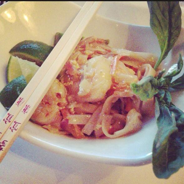 Spicy Thai Basil Stirfry @ Milestone's Empress Walk