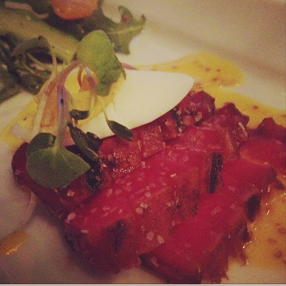 Grilled Japanese Tuna Tataki @ Milestone's Empress Walk
