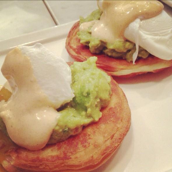 Eggs Benedict @ The Artisan Baker