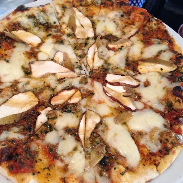 Mushroom Hunters Pizza
