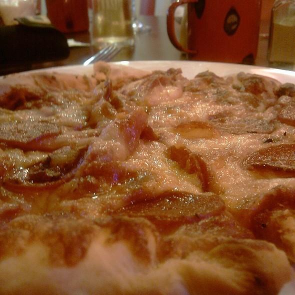 New Yorker Pizza @ harveys bar and grill  llandudno