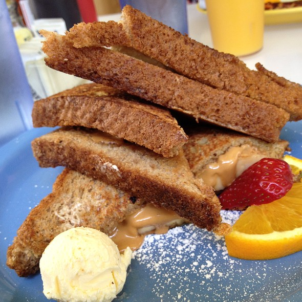 Peanut Butter And Banana Stuffed French Toast @ Cafe 222