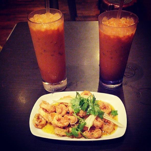 Butter calamari with thai ice tea