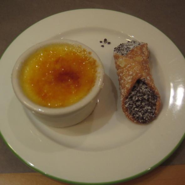 Crème Brulée & Cannoli @ Spice Market Buffet