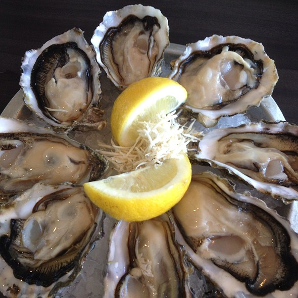 Oysters @ Diana's Oyster Bar & Grill