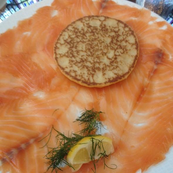 Smoked salmon @ L'Atelier des Chefs Lafayette Maison