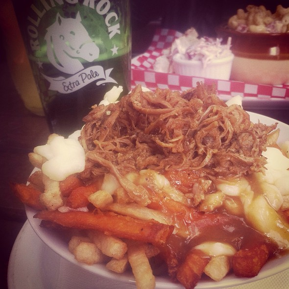 Poutine With Smoked Gravy And Pulled Pork